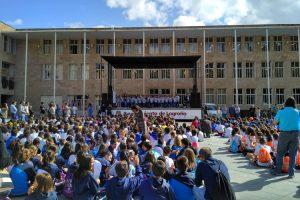 1000 estudiantes dan la bienvenida al nuevo curso
