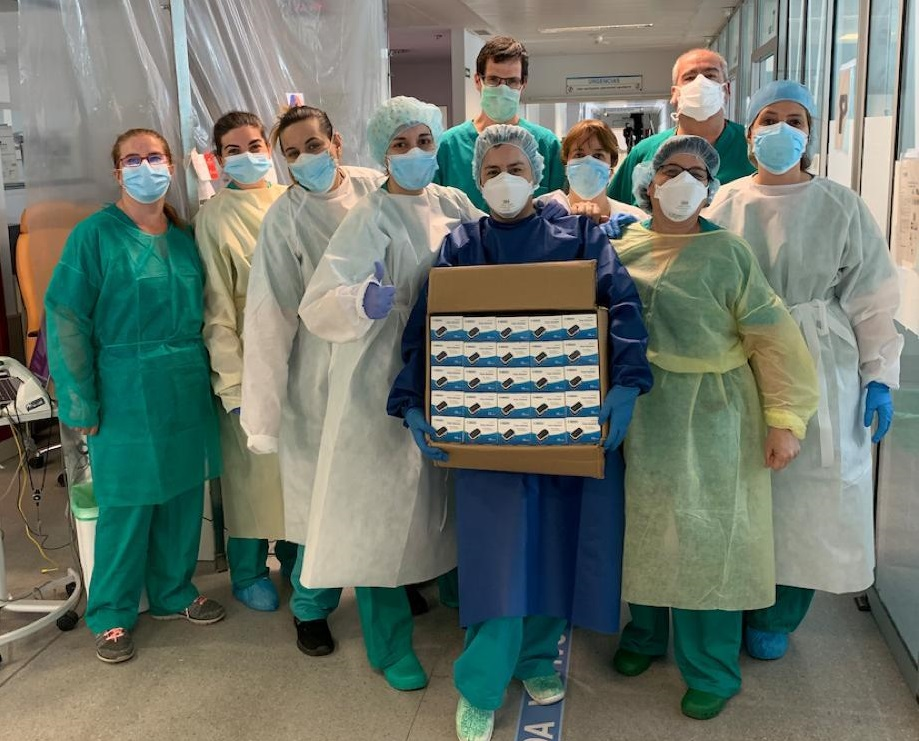 El AMPA dona 100 pulsioxímetros al Hospital San Pedro