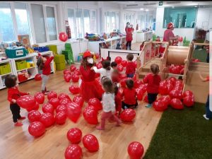 Fiesta del color rojo en la Escuela Infantil