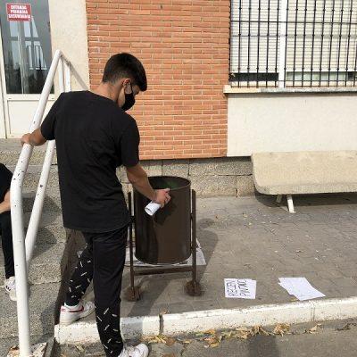 Reciclando papeleras